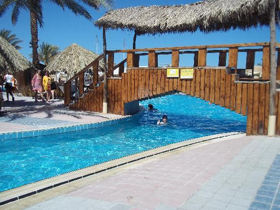 Sindbad Aqua Hotel & Spa : sinbad beach hotel pool