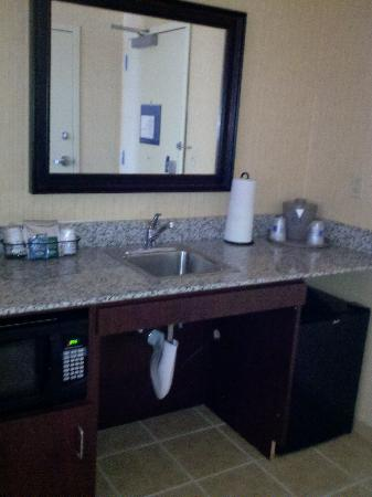 Hampton Inn & Suites Tahoe-Truckee : LIttle kitchen area