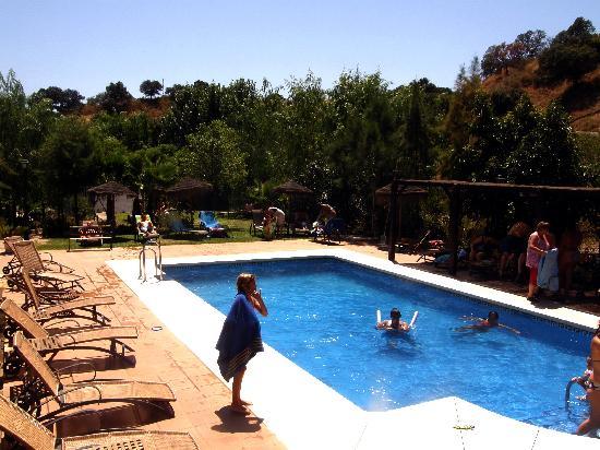 Complejo Rural Caicune: la piscina