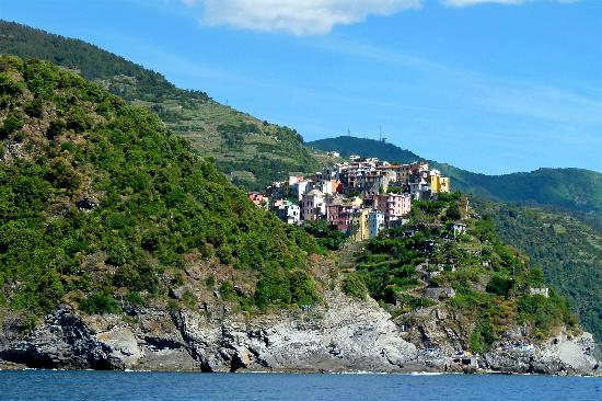 Basso Stefania Apartments: Corniglia from the water taxi