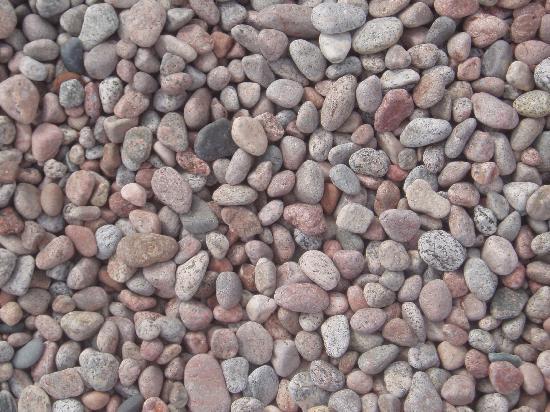 Rock Island Lodge: Beautiful rocks on beach