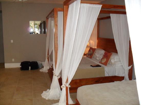 Hotel Jashita: una cama hermosa