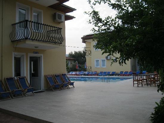 Gunes Hotel & Apartments: reception