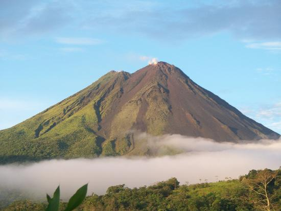 Nayara Hotel, Spa & Gardens : Incredible View of Arenal Volcano from our Casita Balcony