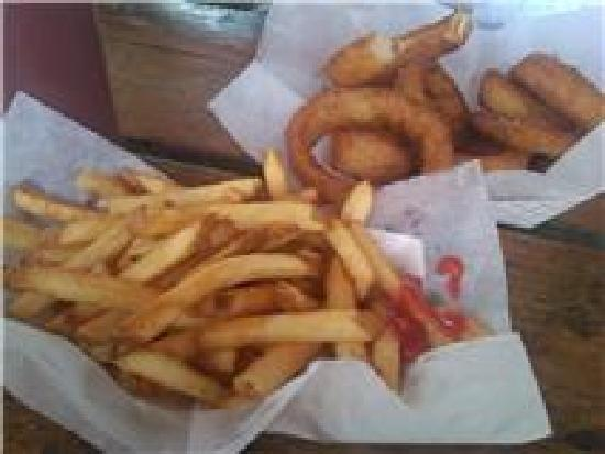 Hot Diggity Dogs & More: Fries and beer battered rings the best