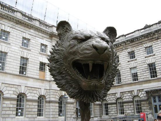 The Courtauld Gallery: courtyard of Somerset House/ Courtauld Gallery