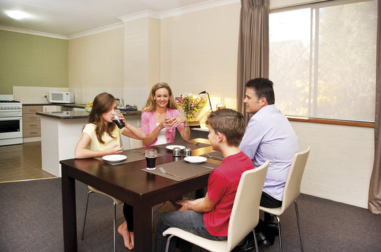 Oxley Court Serviced Apartments