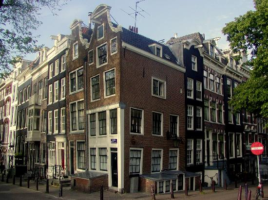 the crooked houses foto di amsterdam olanda settentrionale tripadvisor. Black Bedroom Furniture Sets. Home Design Ideas