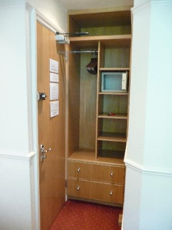 Morgan Hotel: Door, Cupboard & Safe