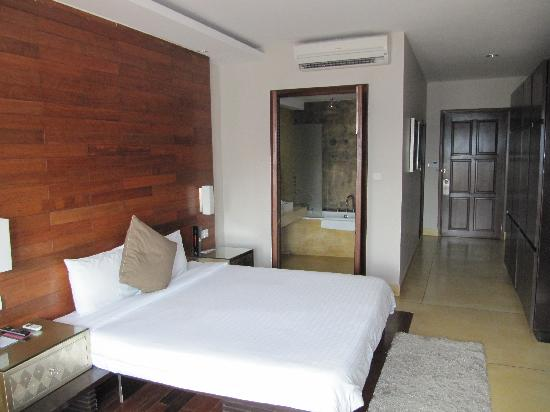 River 108 Boutique Hotel: Riverview room b