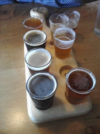 Calapooia Brewing Company: Tasting tray