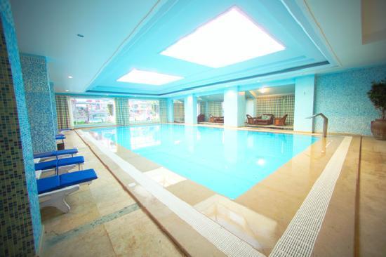 Solaimaneyah Golf Resort & Spa: Indoor Pool