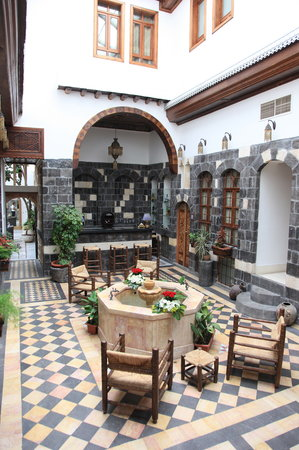 Al Pasha Hotel: Courtyard two...