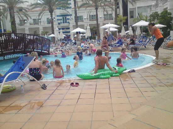Sunwing Fanabe Beach: kids water aerobics