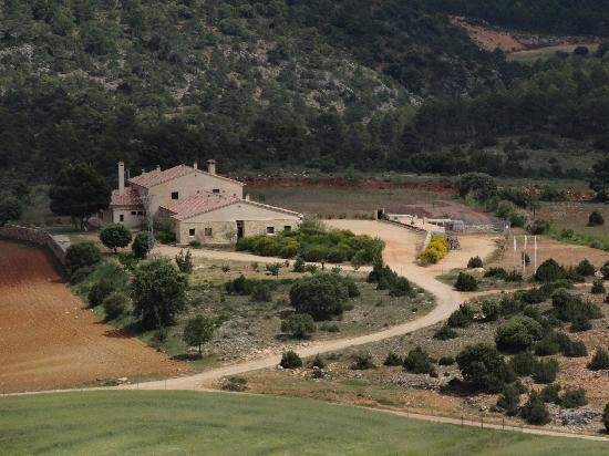 El Romeral Hotel: vista del hotel desde el castillo