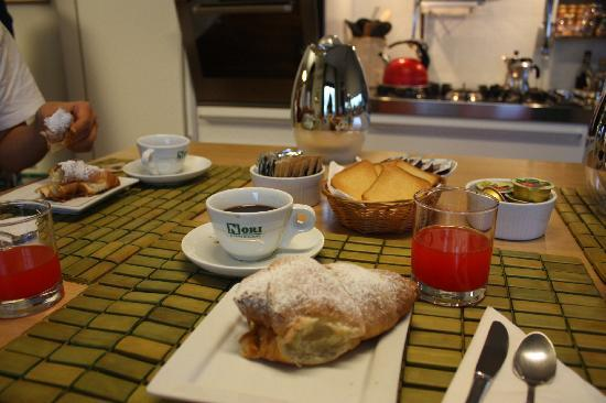 Lognina B&B: Breakfast - It taste good