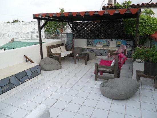 Posada Lagunita: La terrazza dovenel tardo pomeriggio si fa l'aperitivo e nel dopo cena si chiacchiera sotto un c