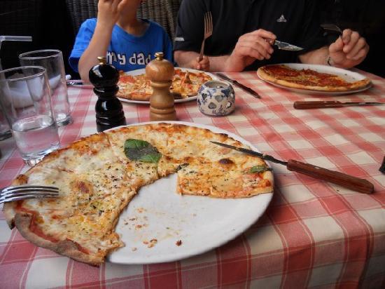 Ristorante Capri: Capri's Pizza
