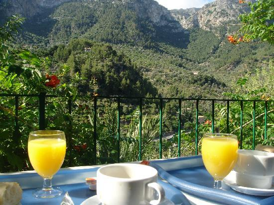 Hostal Villa Verde: Breakfast