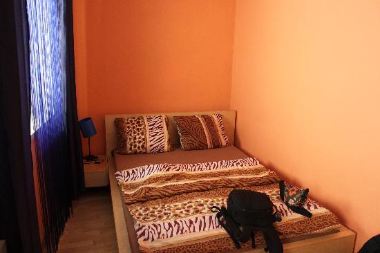 Hostel Giraffe: Habitación doble