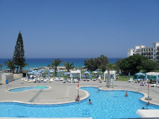 Odessa Beach Hotel: Pool