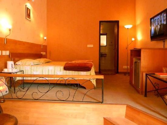 Alpine Resort: Our Room