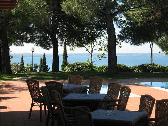 Ristorante San Michele : Tavoli all'aperto ma si può mangiare anche all'interno