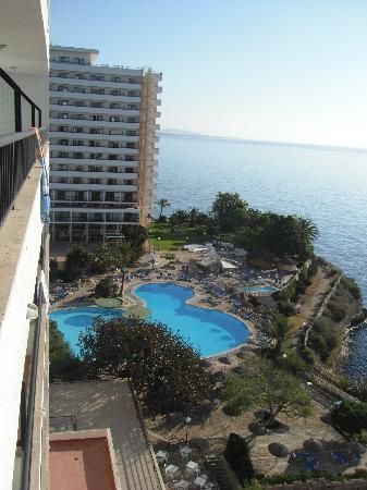 Complejo Calas de Mallorca: View of pool