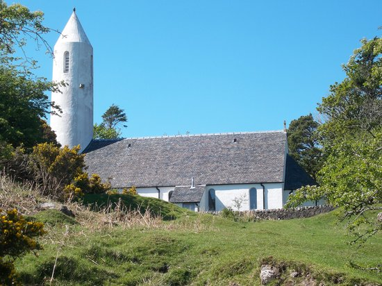 Barn Cottage & Stables: Church at Dervaig