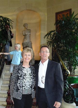 Hotel du Louvre: Lobby shot