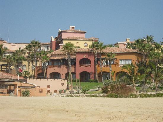 Hacienda del Mar Los Cabos : View of resort from beach