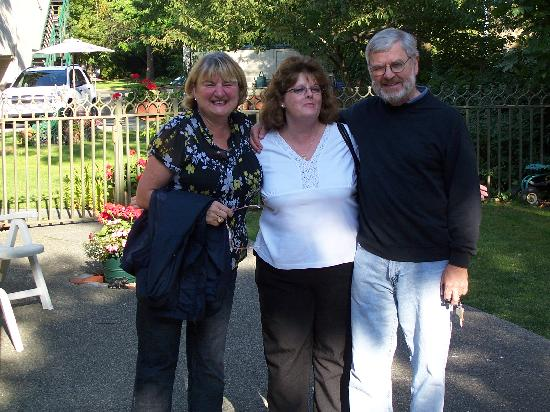 Robert Porter House B&B: Anne and Derrick with Natalie 2007