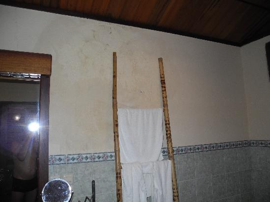 nasse w nde im bad bild von minahasa lagoon dive tours club manado tripadvisor. Black Bedroom Furniture Sets. Home Design Ideas