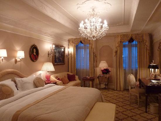 Hotel Imperial Vienna: Palatial