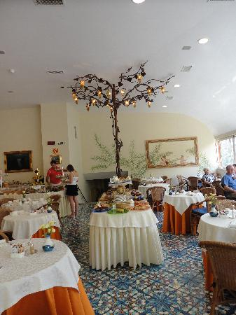 Antiche Mura Hotel: Breakfast Room