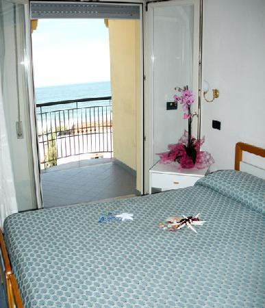 Hotel Alba: Camera Vista Mare