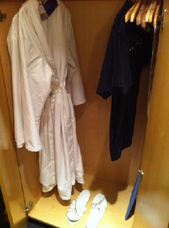 The Hotel Donaldson: bathrobe & slippers to use while for stay