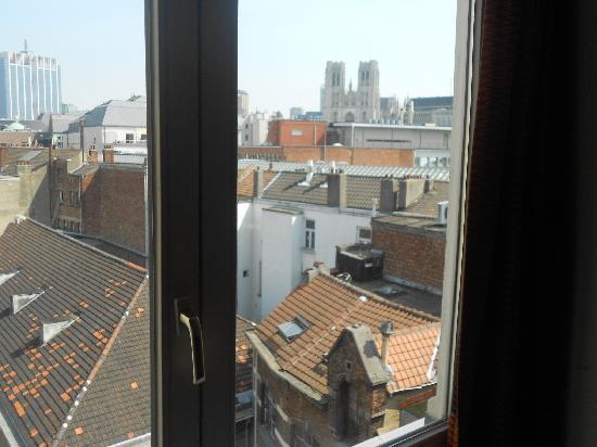 Aris Grand Place Hotel: vista desde la ventana