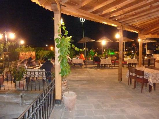 SOS Restaurant & Cafe : SOS Restaurant