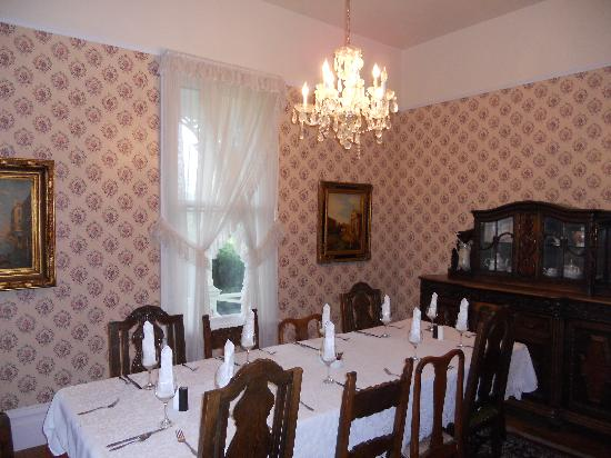 Ink House Bed & Breakfast: Dinning Room where Breakfast is served
