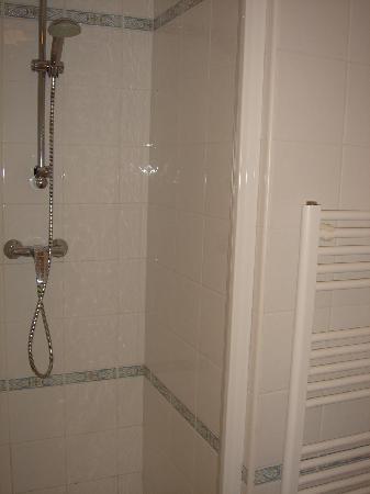 Appart'City Confort Geneve Divonne-les-Bains: 1e. toilette