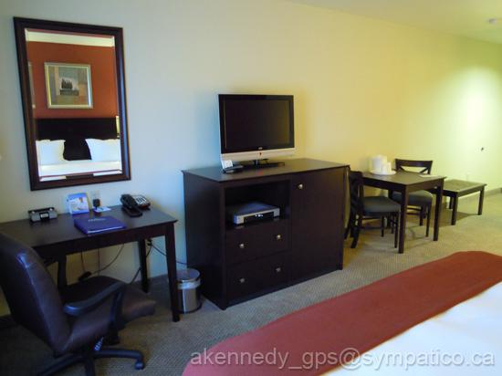 Holiday Inn Express Hotel & Suites Hollywood Hotel Walk of Fame: TV & Desk