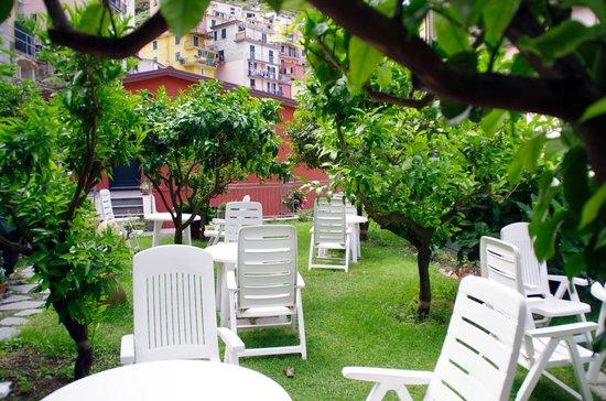 Hotel Ca D'Andrean: giardino per la colazione