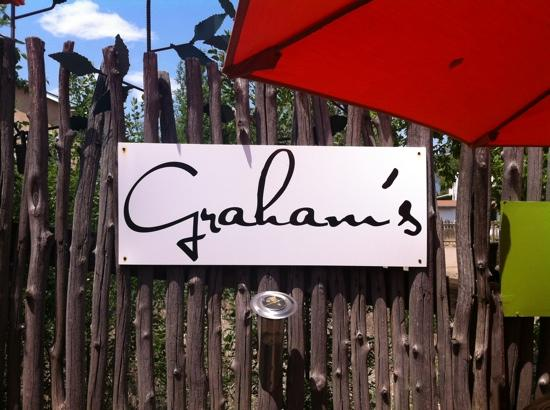 Graham's Grille: patio