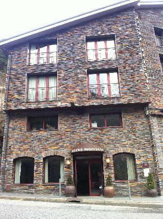 Hotel Montane: Montane Apr 2011