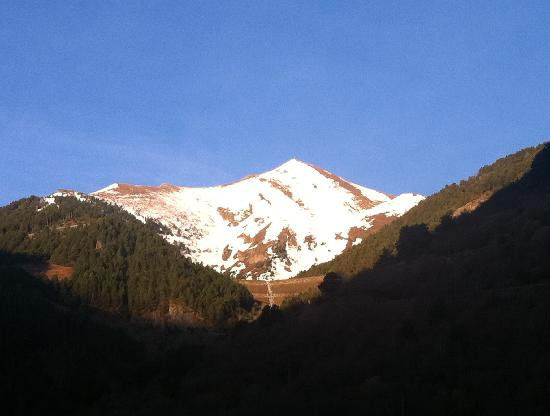 Hotel Montane: View from our room.. Apr 2011