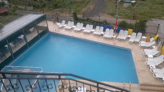 Hotel Cypriot: Swimming pool