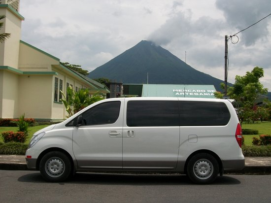 Issys Tours Costa Rica: Mini Van