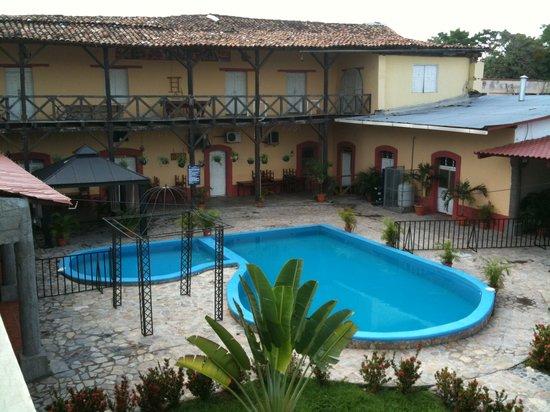Hotel Antigua Comayagua: Pool area