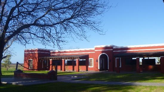 Estancia La Bamba de Areco : polo stables...added later...seamlessly